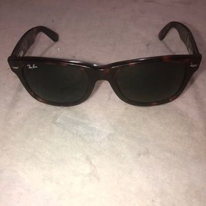 Ray ban Sunglasses made in Italy RB 2113